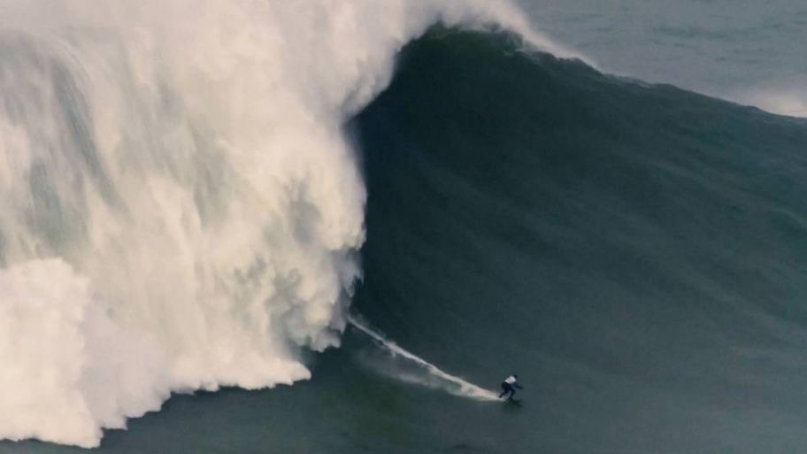 The highest wave in the world ever surfed by a woman